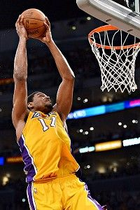 Bynum Needs To Play Big Los Angeles Lakers Basketball Los Angeles Lakers Lakers