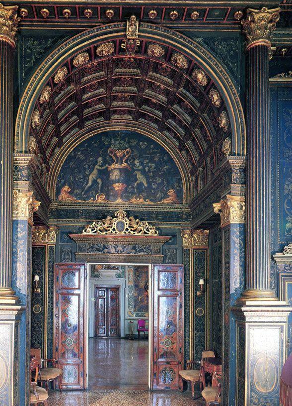 Venice Italy Venetian Palazzo Interiors   venice-door-2 ...