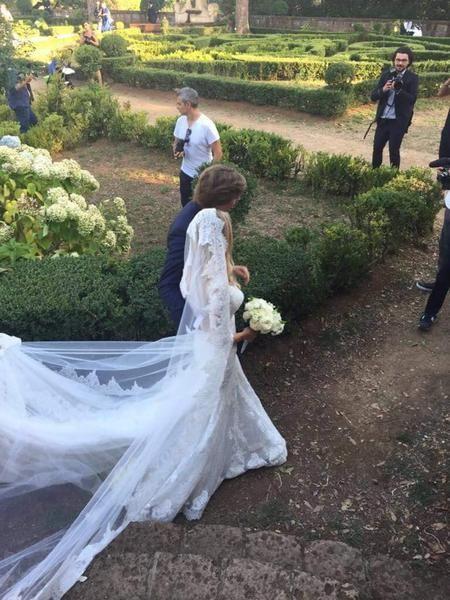 Un magico matrimonio nel bosco per Martina Stella e Andrea