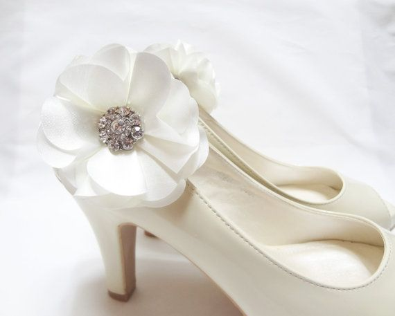 Hey, I found this really awesome Etsy listing at http://www.etsy.com/listing/119576850/wedding-shoe-clips-bridal-shoe-clips