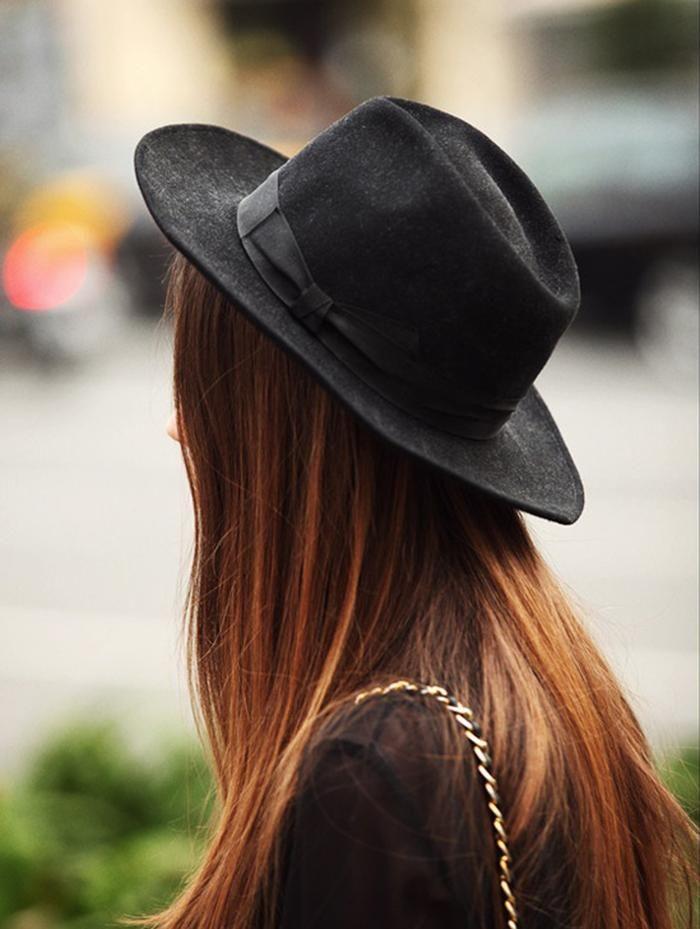 ¿Todavía no tienes un  sombrero en tu armario   moda  mujer  ella   accesorios  complemento  outfit  negro 66a47b8cc14