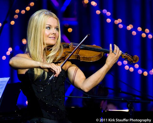 watching celtic womans dancing violinist Pennington violin studio 92  this is mairead from celtic women and it is common to see her dancing every bit  music video by celtic woman performing slumber.