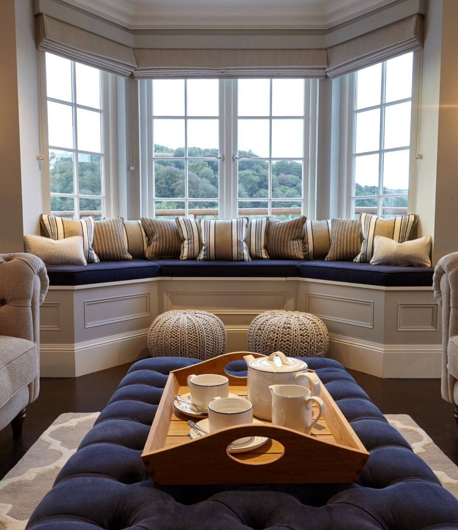 Window seat ideas living room  pin by verónica russo on bow window  pinterest