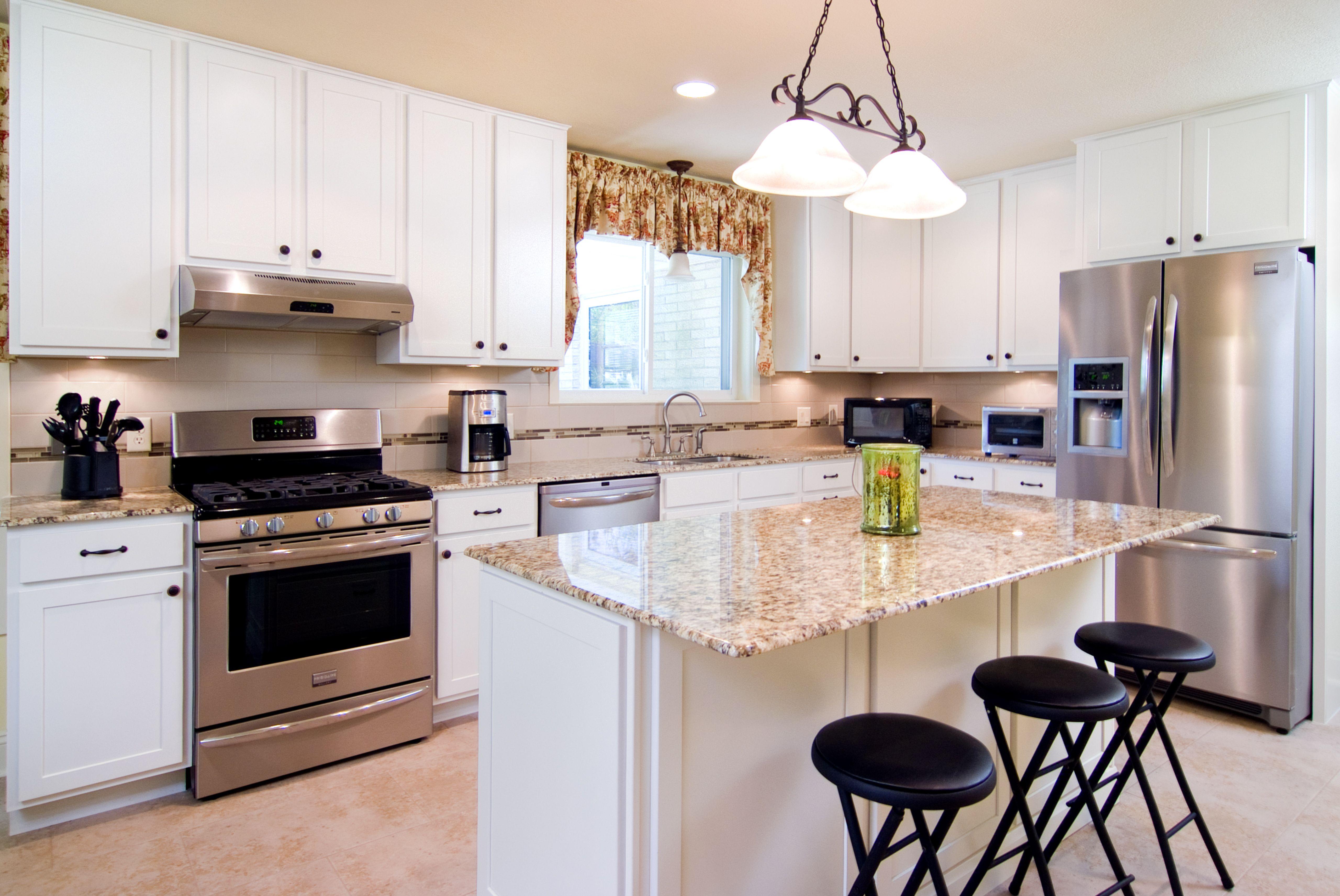 Kitchen remodel   Kitchen remodel, Shaker style cabinet ...