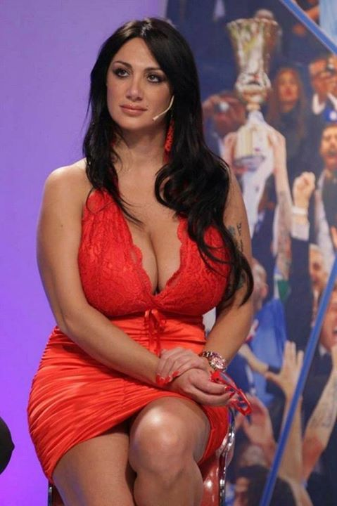 Порно с marika fruscio in red dress