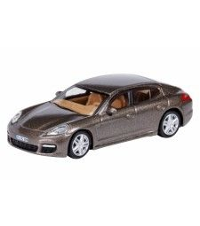 Porsche Panamera, braun