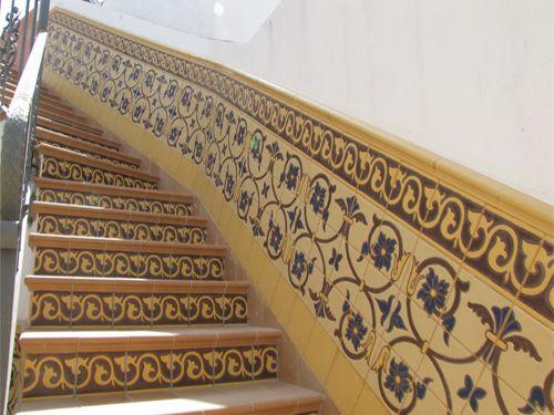 Pin de ceramica art stica campos s l en z calos de Azulejos rusticos para interiores