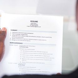 Career Hacker Does Your It Resume Pass The Six Second Test Resume
