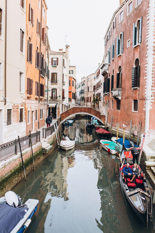 Venice. Gandola-la-la-la. Love