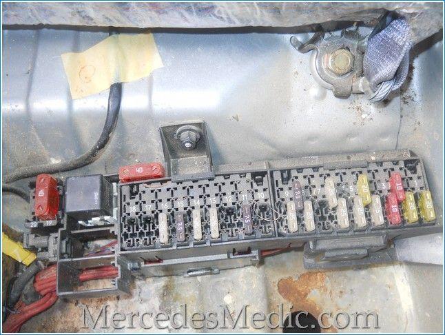 fuse box under rear seat_mercedes_benz_e320_e430_e55_w210 ... 2000 mercedes benz e320 fuse box #7