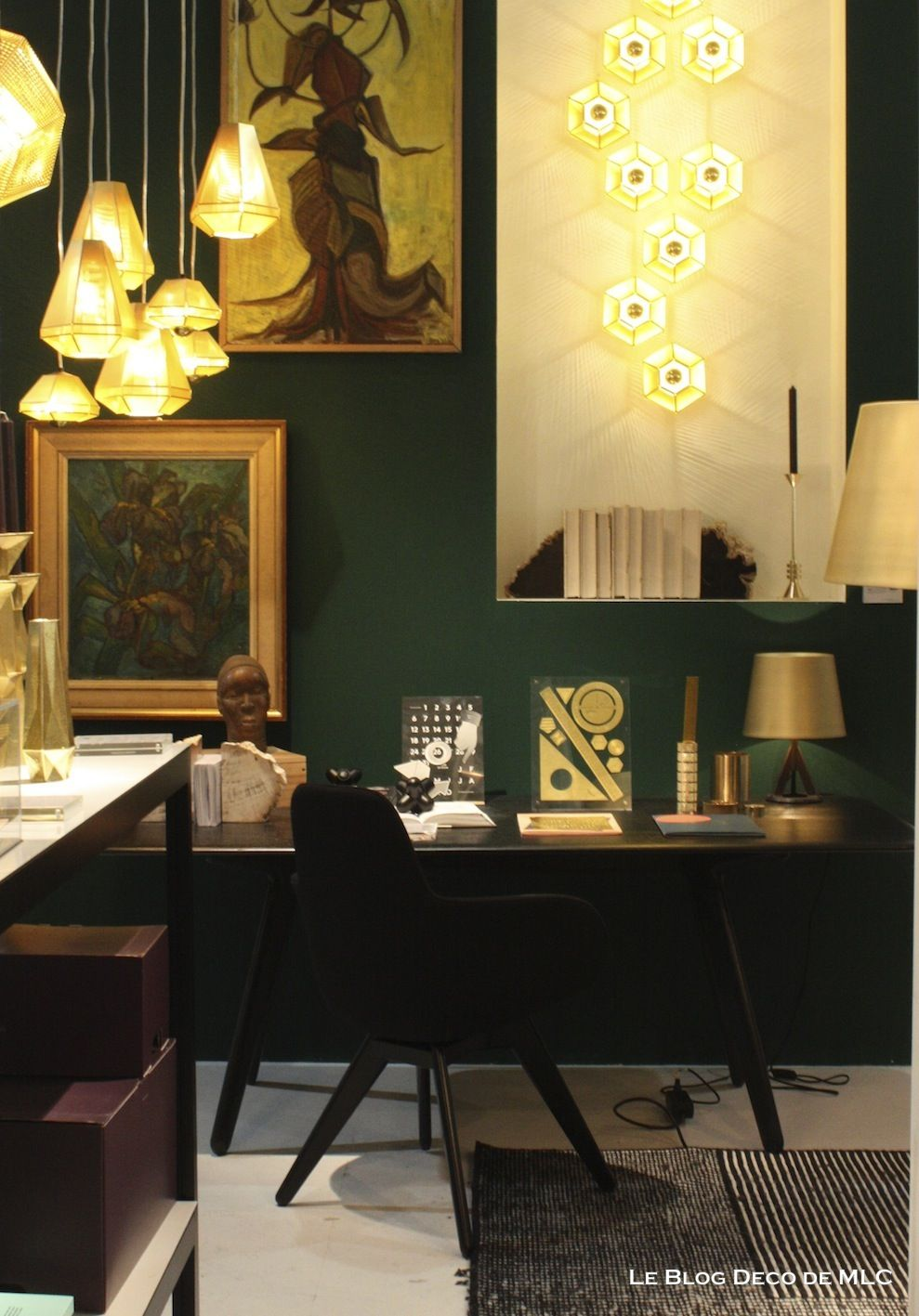mur vert meraude bureau le blog deco de couleur d co pinterest vert emeraude mur. Black Bedroom Furniture Sets. Home Design Ideas