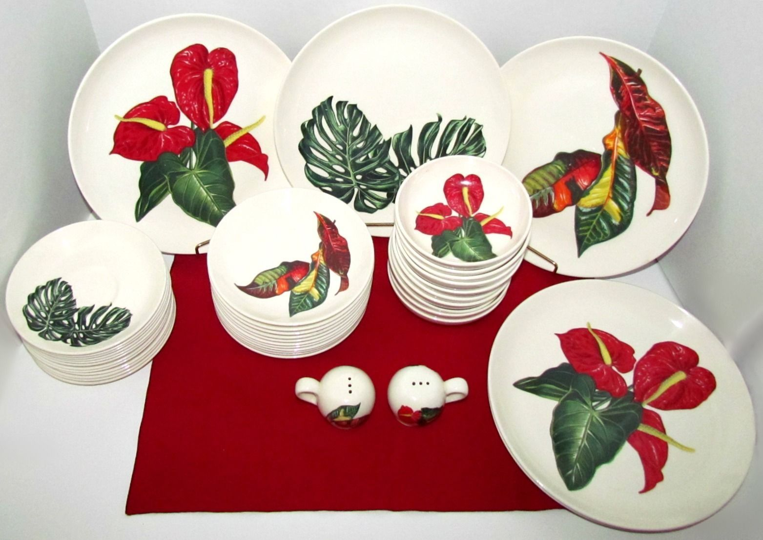 Items similar to RARE u0027Flowers of Hawaiiu0027 Santa Anita Ware Dinnerware 49 Pieces 1949 Styled by Lloyd Iranda Tucker California Pottery Mid Century on ... & RARE HTF Vintage Santa Anita Ware u0027Flowers of Hawaiiu0027 Dinnerware ...