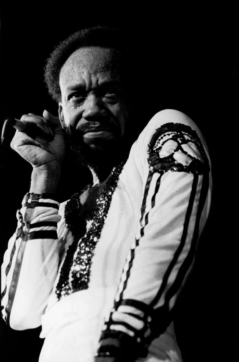 Maurice White, chanteur d'Earth, Wind, and Fire, à la fin des années 70.