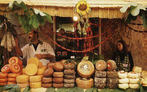 In Tuscany: Frances Mayes, Bob Krist, Edward Mayes: 9780767905350: Amazon.com: Books