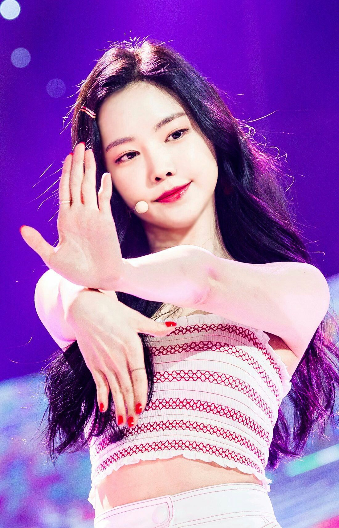 Naeun Apink Alright Apink Naeun Kpop Girls Son Na Eun