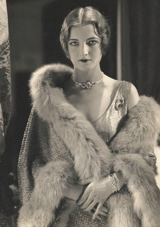 1920s flapper fashion. 1921 … | Pinteres…