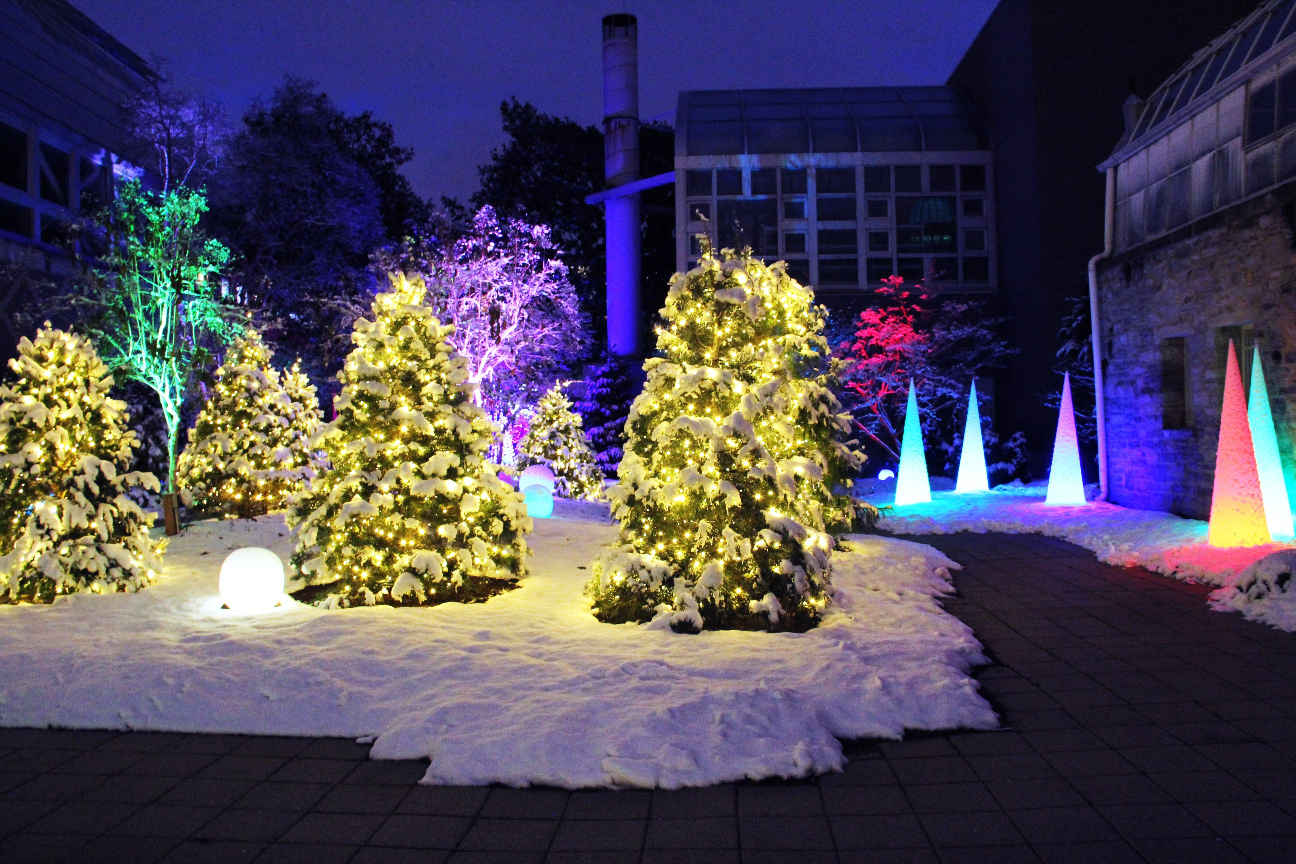 Franklin Park Conservatory Christmas Lights.Indoor And Outdoor Holiday Lights On View During Select