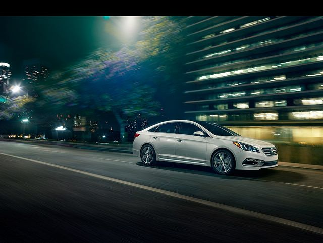 Learn why the all-new Hyundai Sonata Hybird is geared to become a serious contender in the hybrid market and check out the 2016 Sonata Hybrid specs.