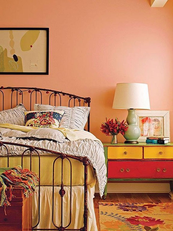 Stunning Orange Bedroom Decorating Ideas For Modern House 11