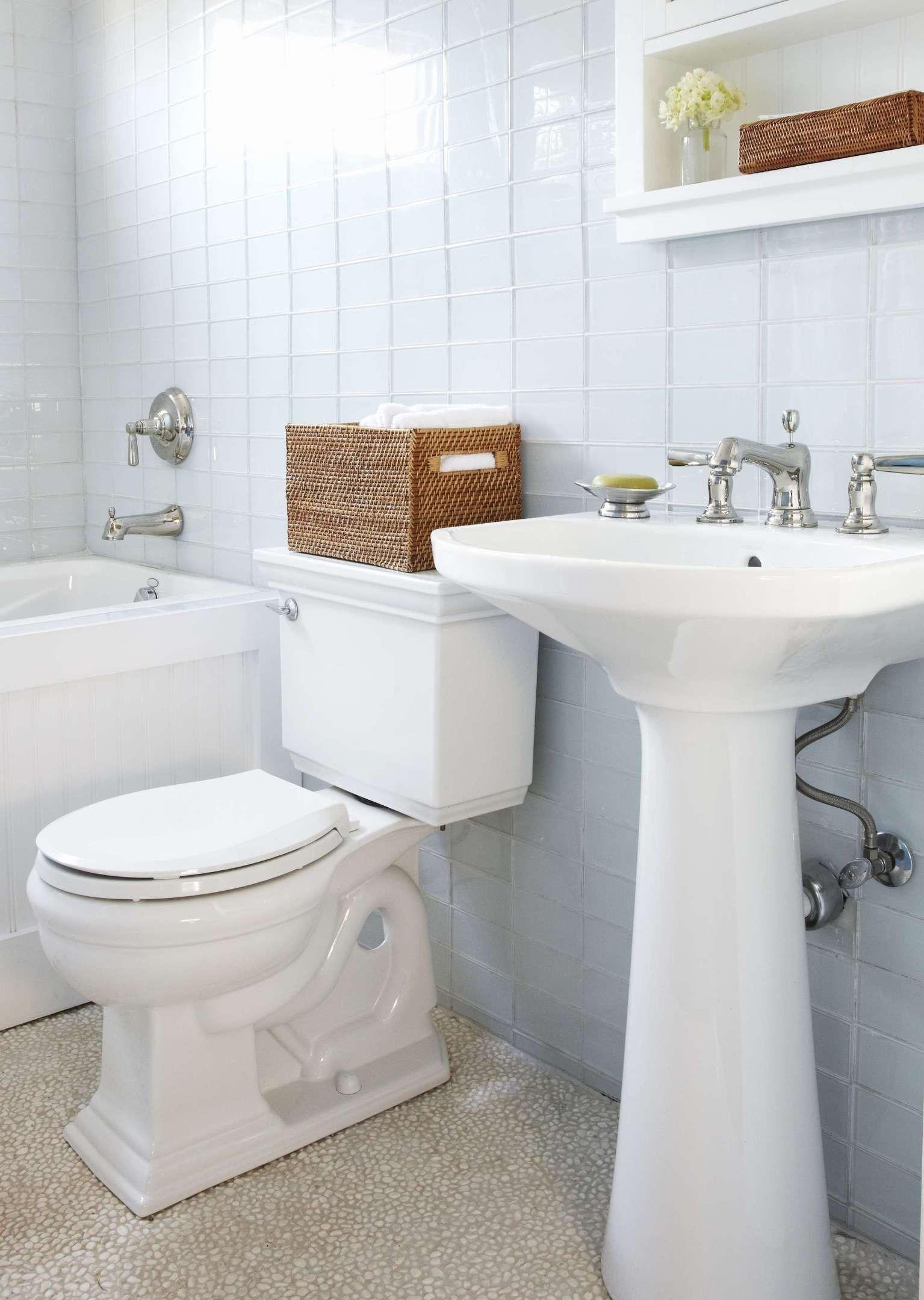 Lovely Outdoor Toilet Small Bathroom Tiny House Bathroom Small Bathroom Vanities