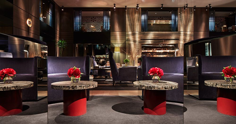 Paramount Hotel In New York City S Theater District Times Square History Luxury Hotel Design Paramount Hotel Lounge Design