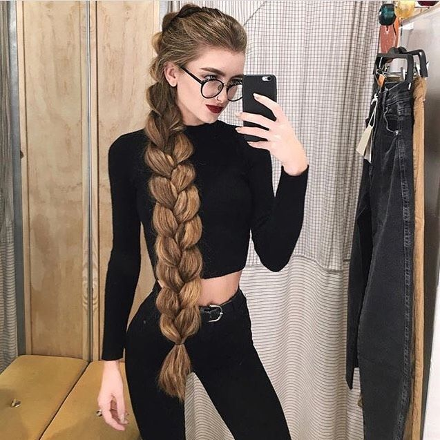 "Photo of Your Beauty Expert on Instagram: ""@lyuba_tyshchenko 🖤🖤 #stunning #longhair #hair #hairstyles #haircare #healthy #blackhair #black #blonde #workout #fitnessmodel #tresseme…"""