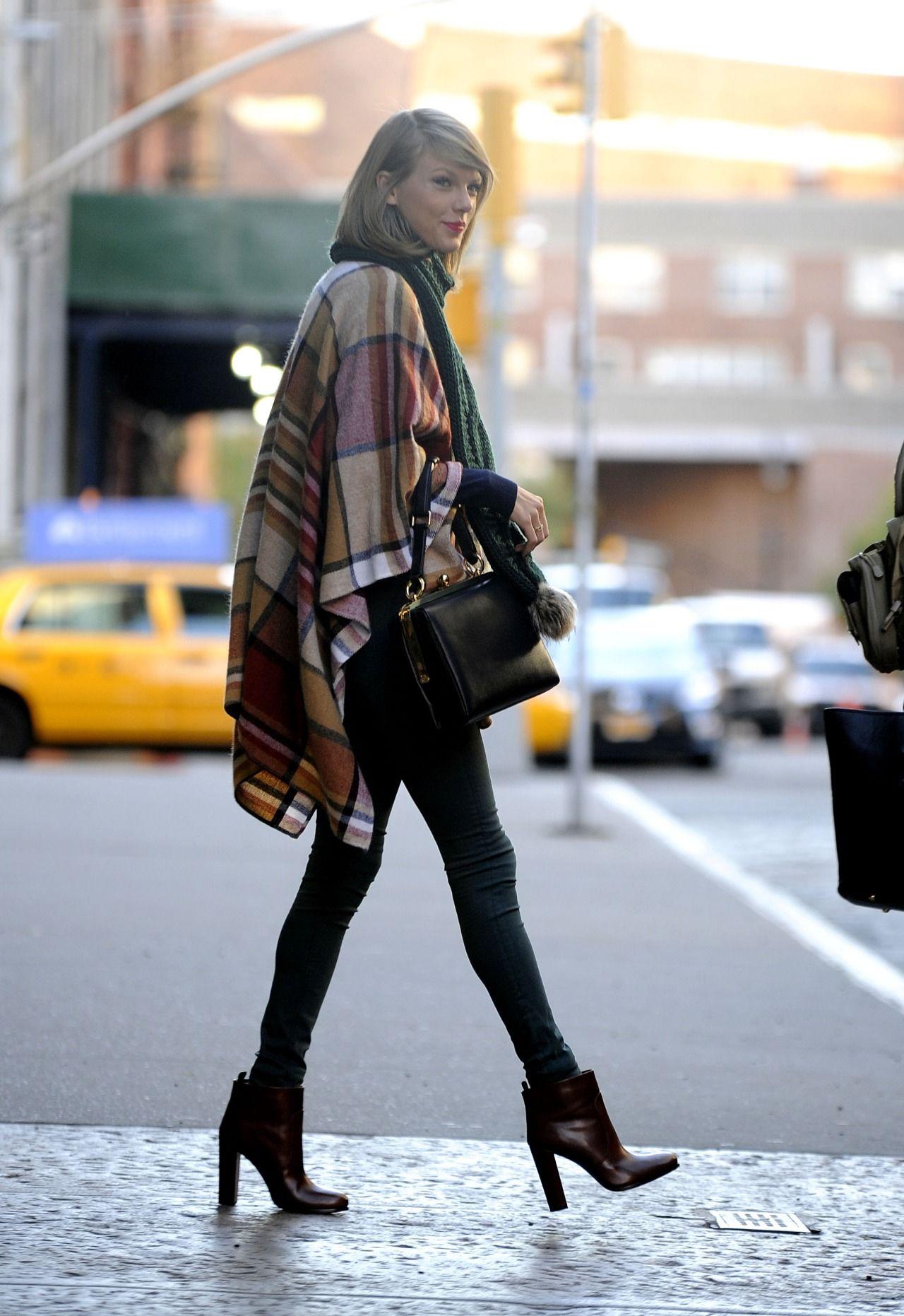 taylor-swift-block-heels
