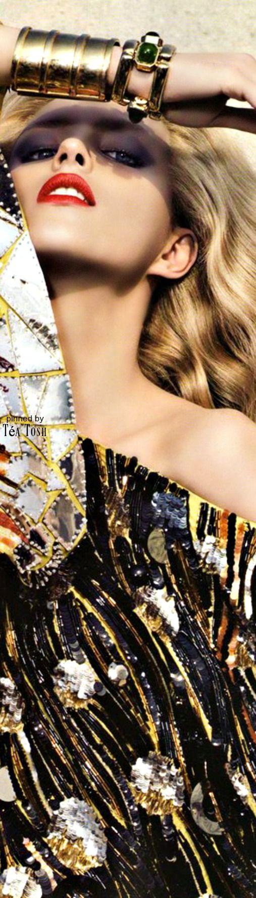 Téa Tosh Black and gold | Suzie J Brosseau | Gold fashion ...