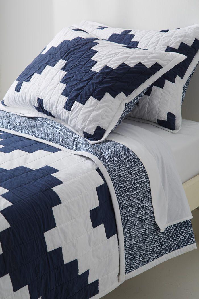 Chevron Quilt Amp Shams Pillows Chevron Quilt Quilts