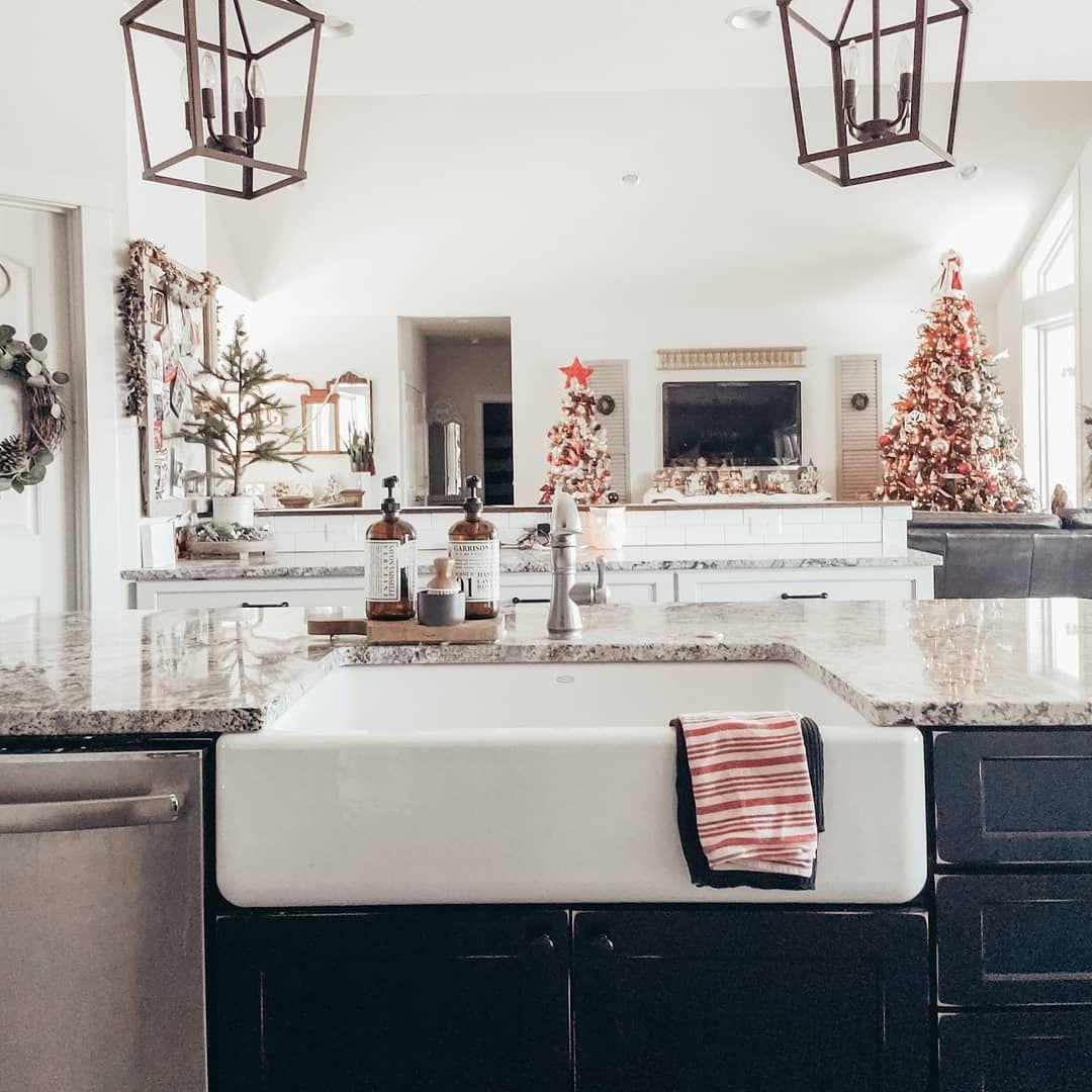 farmhouse sink farmhouse kitchen christmas in the kitchen black and white kitchen kitchen island on farmhouse kitchen xmas id=77483