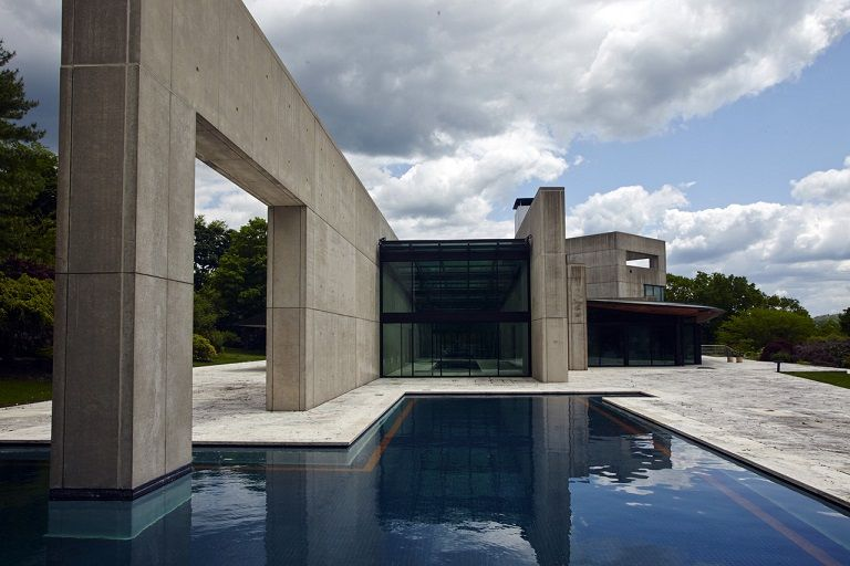 This House A Glassandconcrete Residence Was Designed By Rafael - Contemporary glass residence