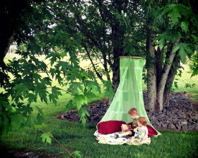 Cool Wir zeigen Ihnen kreative Ideen wie Sie Spielger te im Garten selber bauen und eine bequeme und s e Spielecke im Au enbereich gestalten k nnen