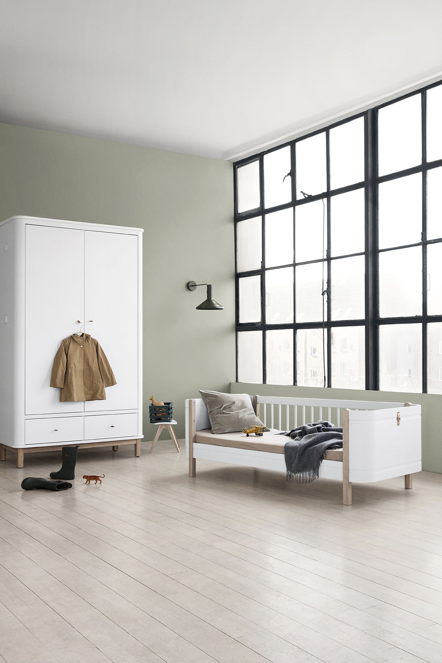 Oliver Furniture Mini+ Wood Collection, Bett und Schrank ...