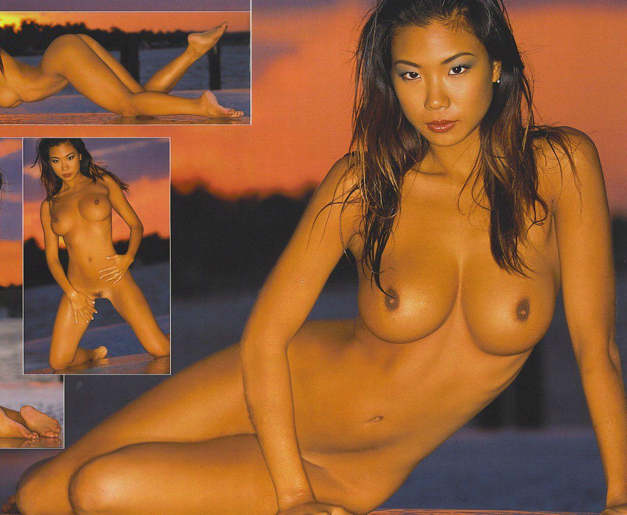 Asian Babe Hiromi Oshima With Landing Strip
