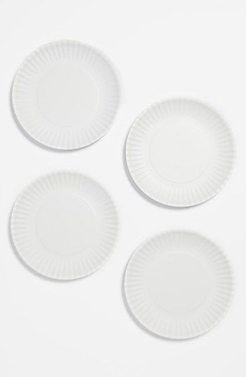 I Love These Crimped Melamine Plates That Look Like Paper Designsponge Dssummerparty