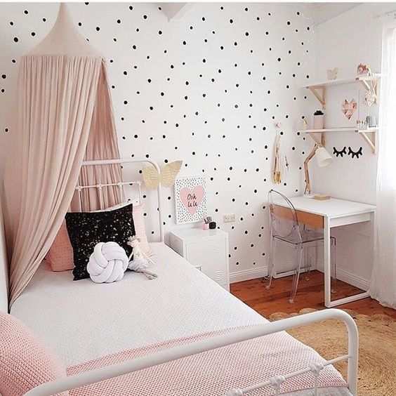 Polka dot kids 39 room design ideas kids rooms room and Simple teenage girl room ideas