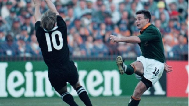 South Africa S Joel Stransky Kicks The Winning Drop Goal In The 1995 Rugby World Cup Final Rugby World Cup World Rugby All Blacks