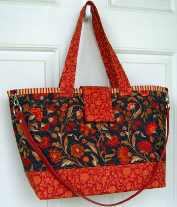 Tutorial: Attach A Shoulder Strap To Your Bag Project | Lazy Girl Designs