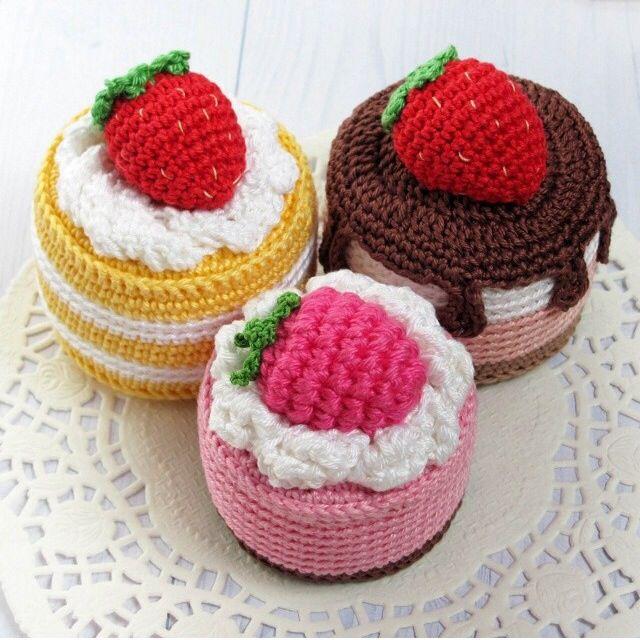 Three awesome looking cakes!! | Crochet Food | Pinterest | Häkeln ...