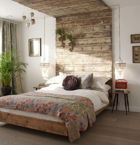 Bed Met Ombouw Van Steigerplanken Interieur Slaapkamer