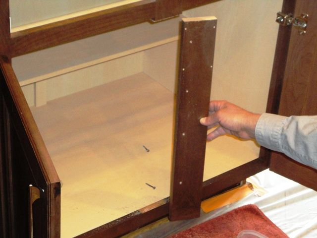 How To Remove The Center Stile Organize In 2019 Kitchen Cabinet