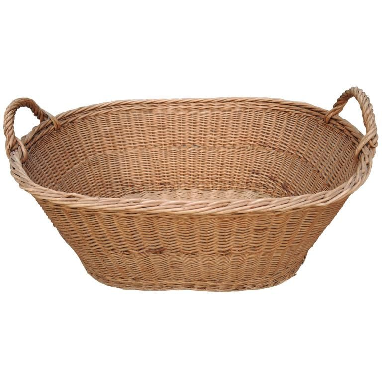 Light Weighted Wickery Laundry Basket Woven Laundry Basket