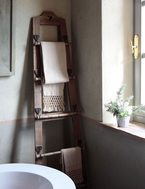 Bathroom With Rustic Ladder Towel Holder I M Going To Make This Using Two Wooden Skis Vintage Home Decor Decor Towel Rack
