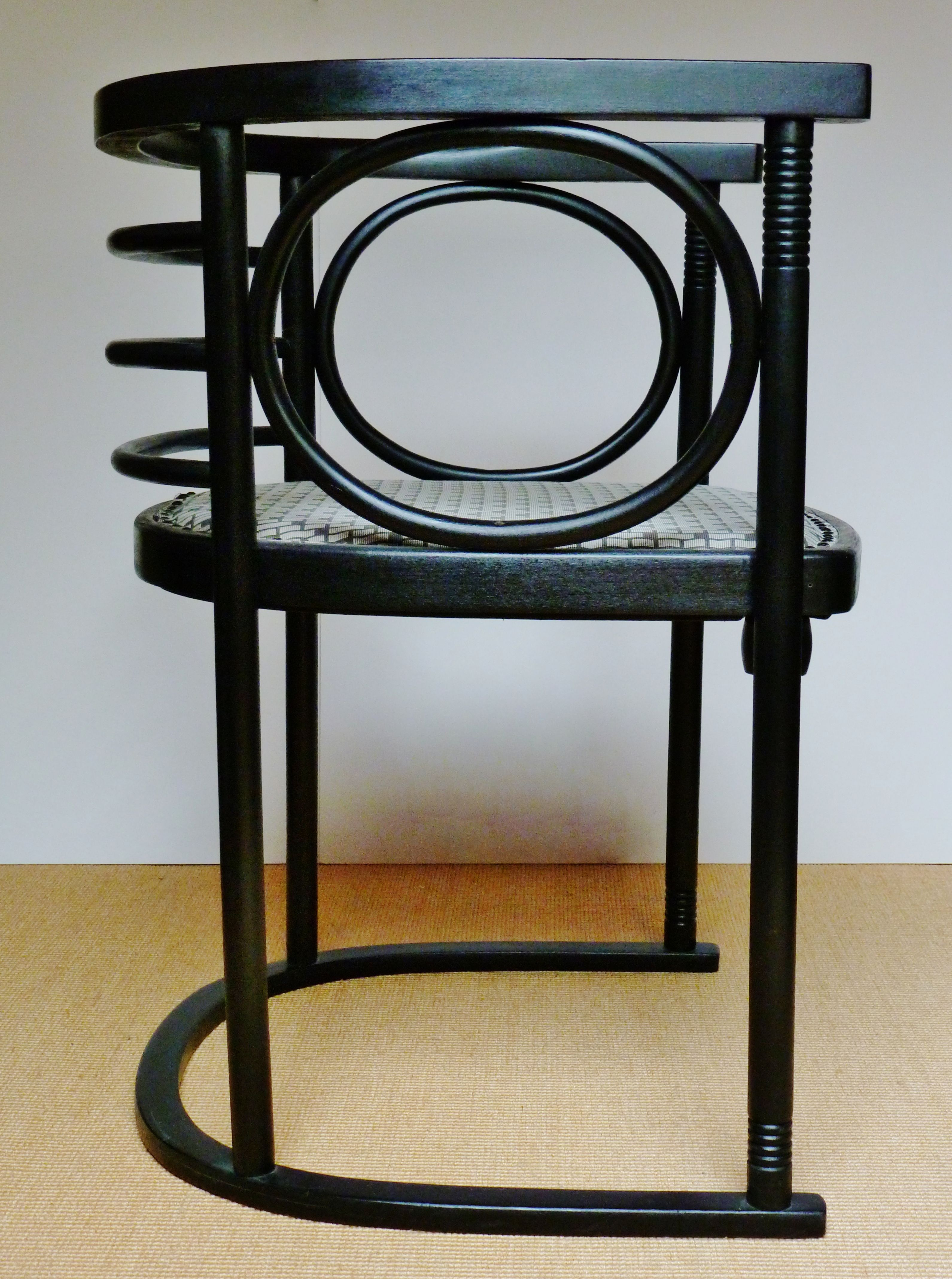 Chair For Cabaret Fledermaus Vienna Designed By Josef Hoffmann Manufacturer Thonet Stuhl Design Jugendstil Fledermaus