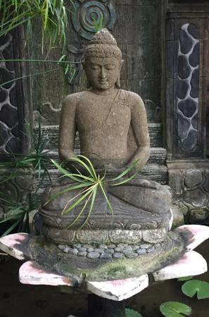 Zen Buddha Im Garten Garten Buddha Garden Buddha Zen