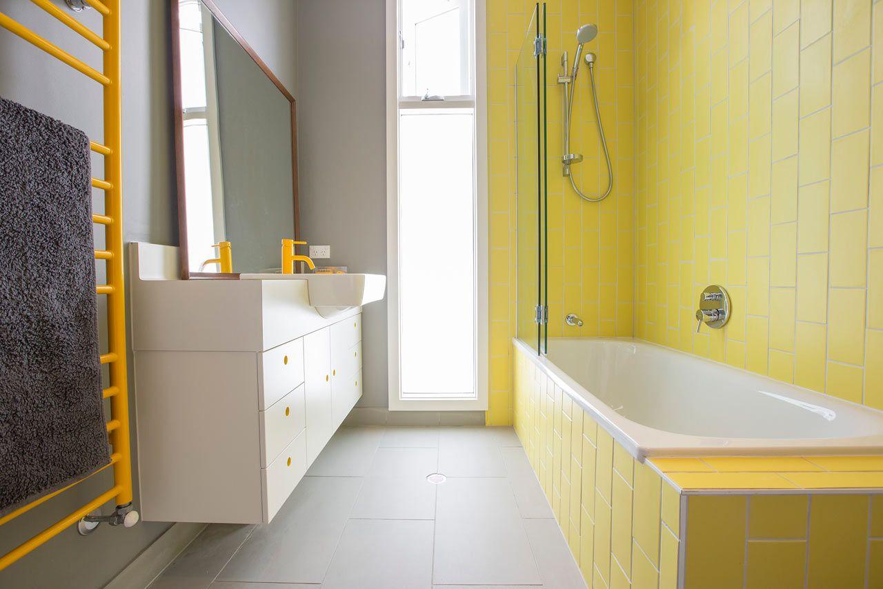 banheiro amarelo