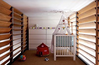 baby sleeps on the mezzanine escaliers pinterest. Black Bedroom Furniture Sets. Home Design Ideas