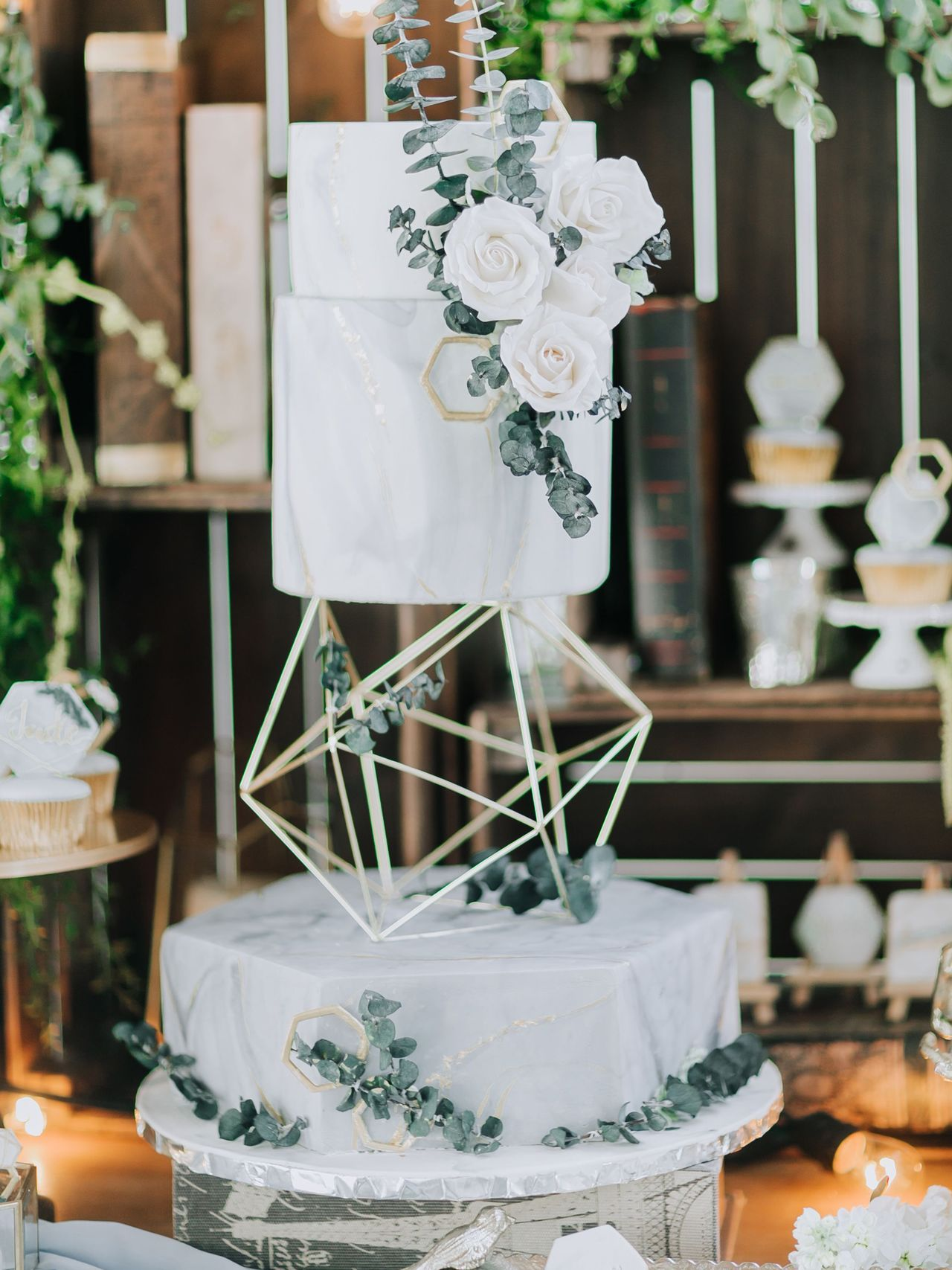 The 2019 Wedding Cake Trends You'll Love Wedding