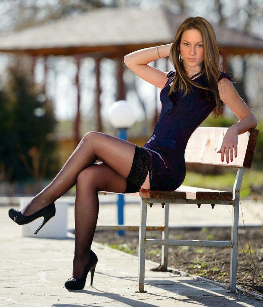 Long teen leg picture