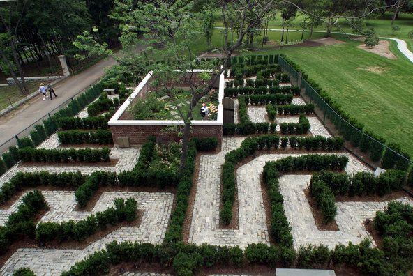 secret gardens hedge maze at the connie gretz secret garden staten island botanical garden - Staten Island Botanical Garden